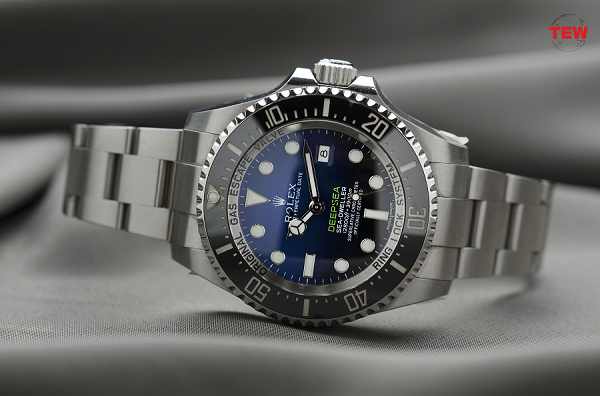 11 Widely Known Timepieces From Rolex Greatest Collections